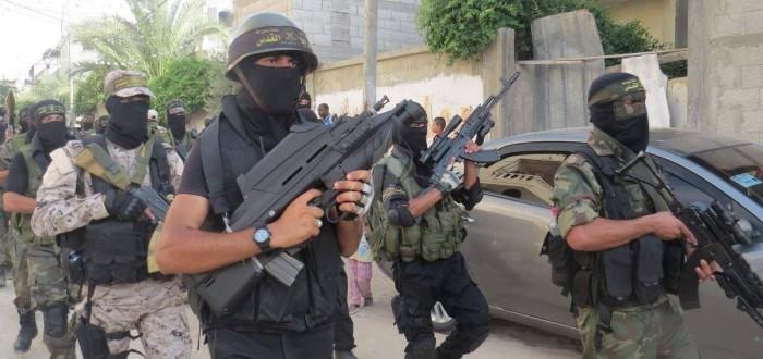 F2000 & AK-103 in Palestine (Al Quds) 2015 (Palestine Today)